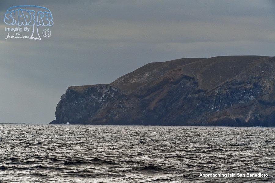 Approaching Isla San Benedicto - n/a